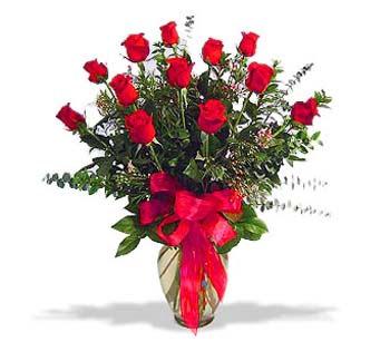 çiçek siparisi 11 adet kirmizi gül cam vazo  Aksaray online çiçek gönderme sipariş