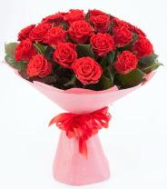 12 adet kırmızı gül buketi  Aksaray çiçek siparişi sitesi