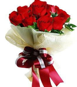 9 adet kırmızı gülden buket tanzimi  Aksaray çiçek gönderme sitemiz güvenlidir