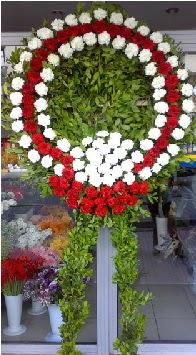 Cenaze çelenk çiçeği modeli  Aksaray anneler günü çiçek yolla