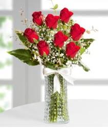 7 Adet vazoda kırmızı gül sevgiliye özel  Aksaray çiçek siparişi sitesi