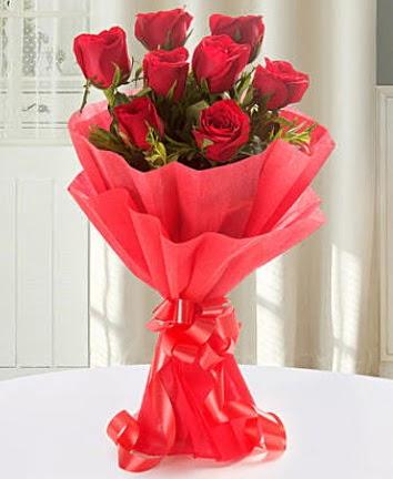 9 adet kırmızı gülden modern buket  Aksaray İnternetten çiçek siparişi