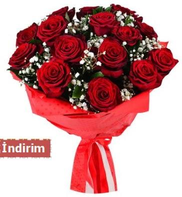 12 Adet kırmızı aşk gülleri  Aksaray çiçek satışı
