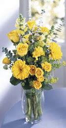 Aksaray online çiçek gönderme sipariş  sari güller ve gerbera cam yada mika vazo