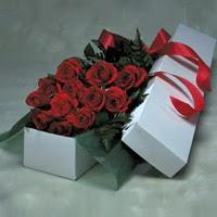 Aksaray online çiçek gönderme sipariş  11 adet gülden kutu