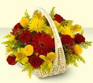 Aksaray 14 şubat sevgililer günü çiçek  sepette mevsim çiçekleri
