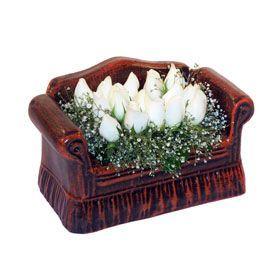 seramik içerisinde 11 gül  Aksaray hediye çiçek yolla
