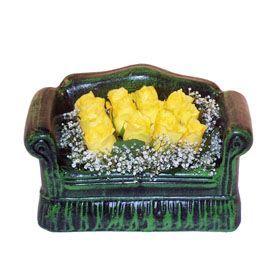 Seramik koltuk 12 sari gül   Aksaray ucuz çiçek gönder