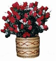 yapay kirmizi güller sepeti   Aksaray kaliteli taze ve ucuz çiçekler