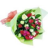 12 adet renkli gül buketi   Aksaray çiçek gönderme sitemiz güvenlidir