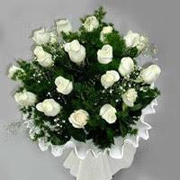 Aksaray hediye çiçek yolla  11 adet beyaz gül buketi ve bembeyaz amnbalaj