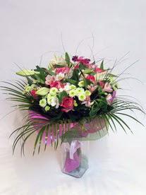 Aksaray hediye çiçek yolla  karisik mevsim buketi mevsime göre hazirlanir.