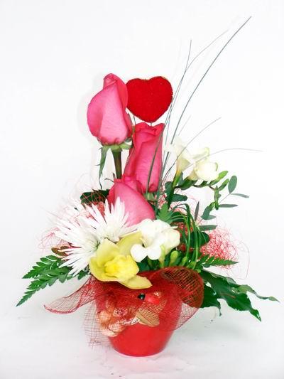 Aksaray ucuz çiçek gönder  cam içerisinde 3 adet gül ve kir çiçekleri
