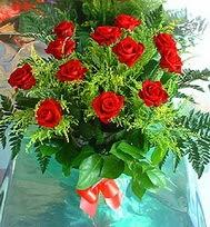 12 adet gül buketi  Aksaray anneler günü çiçek yolla