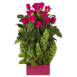 12 adet kirmizi gül aranjmani  Aksaray çiçek mağazası , çiçekçi adresleri