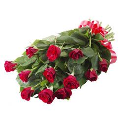 11 adet kirmizi gül buketi  Aksaray yurtiçi ve yurtdışı çiçek siparişi
