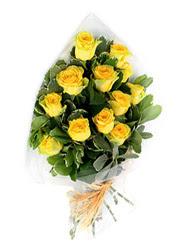 Aksaray güvenli kaliteli hızlı çiçek  12 li sari gül buketi.