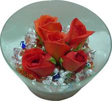 Aksaray 14 şubat sevgililer günü çiçek  5 adet gül ve cam tanzimde çiçekler