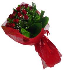 Aksaray çiçek gönderme sitemiz güvenlidir  10 adet kirmizi gül demeti