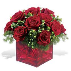Aksaray çiçek yolla  9 adet kirmizi gül cam yada mika vazoda