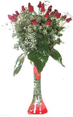 Aksaray uluslararası çiçek gönderme  19 ADET GÜL VE FIL CAM AYAGI