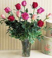 Aksaray çiçek mağazası , çiçekçi adresleri  12 adet karisik renkte gül cam yada mika vazoda