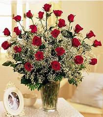 Aksaray çiçek , çiçekçi , çiçekçilik  özel günler için 12 adet kirmizi gül