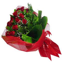 Aksaray kaliteli taze ve ucuz çiçekler  12 adet kirmizi essiz gül buketi - SEVENE ÖZEL