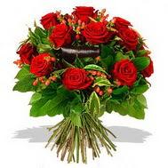 9 adet kirmizi gül ve kir çiçekleri  Aksaray internetten çiçek satışı
