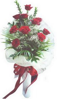 Aksaray hediye çiçek yolla  10 adet kirmizi gülden buket tanzimi özel anlara