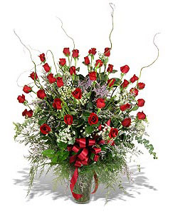 Aksaray çiçek siparişi sitesi  33 adet kirmizi gül vazo içerisinde