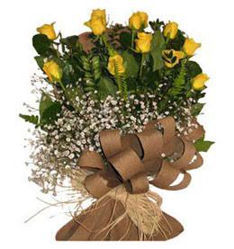 Aksaray çiçek yolla  9 adet sari gül buketi