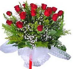 Aksaray çiçek satışı  12 adet kirmizi gül buketi esssiz görsellik