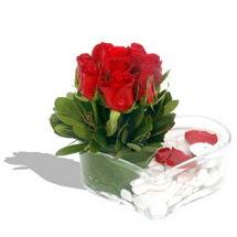 Mika kalp içerisinde 9 adet kirmizi gül  Aksaray çiçek servisi , çiçekçi adresleri