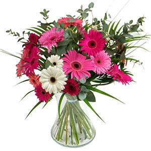 15 adet gerbera ve vazo çiçek tanzimi  Aksaray online çiçek gönderme sipariş