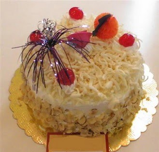 pasta siparisi 4 ile 6 kisilik yaspasta mis lezzette  Aksaray çiçekçi telefonları