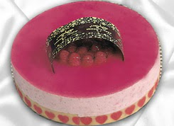 pasta siparisi 4 ile 6 kisilik yas pasta framboaz yaspasta  Aksaray güvenli kaliteli hızlı çiçek