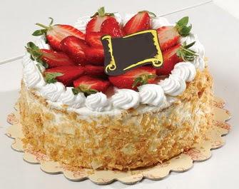 uygun pastaneler 4 ile 6 kisilik çilekli yas pasta lezzetli  Aksaray çiçek siparişi vermek