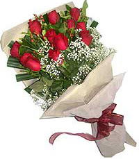 11 adet kirmizi güllerden özel buket  Aksaray internetten çiçek siparişi