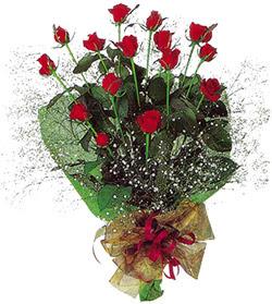 11 adet kirmizi gül buketi özel hediyelik  Aksaray çiçekçi mağazası