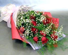10 adet kirmizi gül çiçegi gönder  Aksaray anneler günü çiçek yolla