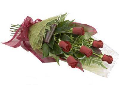 ucuz çiçek siparisi 6 adet kirmizi gül buket  Aksaray çiçek siparişi sitesi