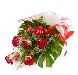 Çiçek gönder 9 adet kirmizi gül buketi  Aksaray çiçek siparişi vermek