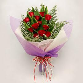 çiçekçi dükkanindan 11 adet gül buket  Aksaray çiçekçi mağazası