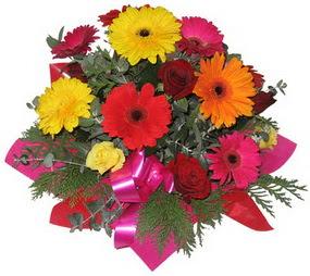 Karisik mevsim çiçeklerinden buket  Aksaray hediye sevgilime hediye çiçek