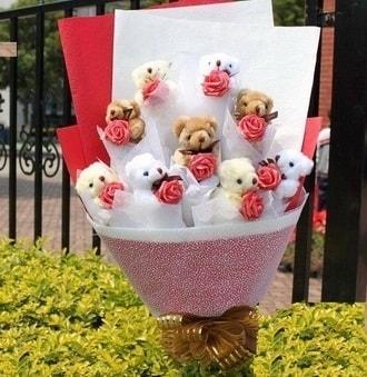 Aksaray çiçek siparişi vermek  9 adet ayicik ve 9 adet yapay gül