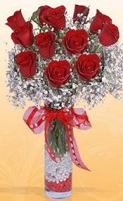 10 adet kirmizi gülden vazo tanzimi  Aksaray çiçek siparişi sitesi