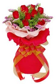 Aksaray cicekciler , cicek siparisi  8 Adet kirmizi güllerden buket tanzimi