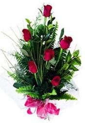Aksaray güvenli kaliteli hızlı çiçek  5 adet kirmizi gül buketi hediye ürünü