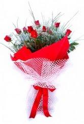 Aksaray İnternetten çiçek siparişi  9 adet kirmizi gül buketi demeti